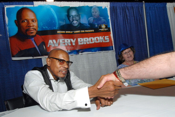 avery brooks photos pictures of avery brooks getty images