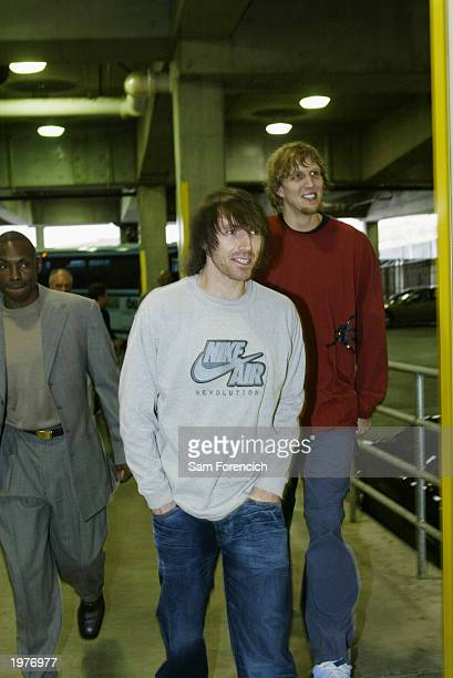 Avery Johnson Steve Nash and Dirk Nowitzki of the Dallas Mavericks arrive at The Rose Garden prior to their game against the Portland Trail Blazers...