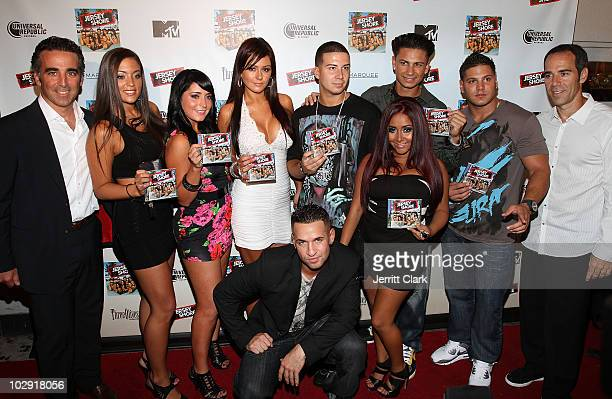 Avery Lipman and Monte Lipman of Universal Republic pose with Sammi Sweetheart Giancola Angelina Jolie Pivarnick Jenni JWoww Farley Mike The...