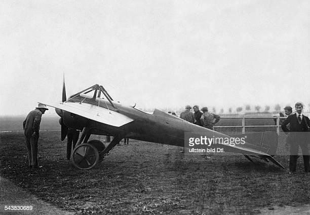 Aviation beginnings France Coupe GordonBennett Qualifications Monoplane Deperdussin monocoque of Gilbert Photo M Rol