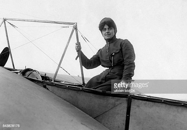 Aviation beginnings France Therese Peltier 'Madame Spencer Kavanagh' in her aeroplanPau Photo M Rol