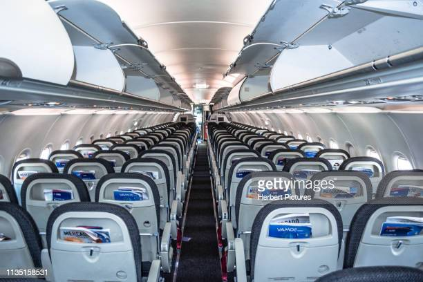 aviation: cabin passenger airbus a320 - pr-mzh - latam airlines - cuiaba airport (cgb / sbcy), brazil - a320 stock pictures, royalty-free photos & images