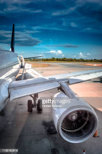 Aviation: CFM-56 5B4/P Engine - The Engine 2 (Left Engine) of the Airbus A320 - PR-MZH - LATAM Airlines - Cuiaba Airport (CGB / SBCY), Brazil