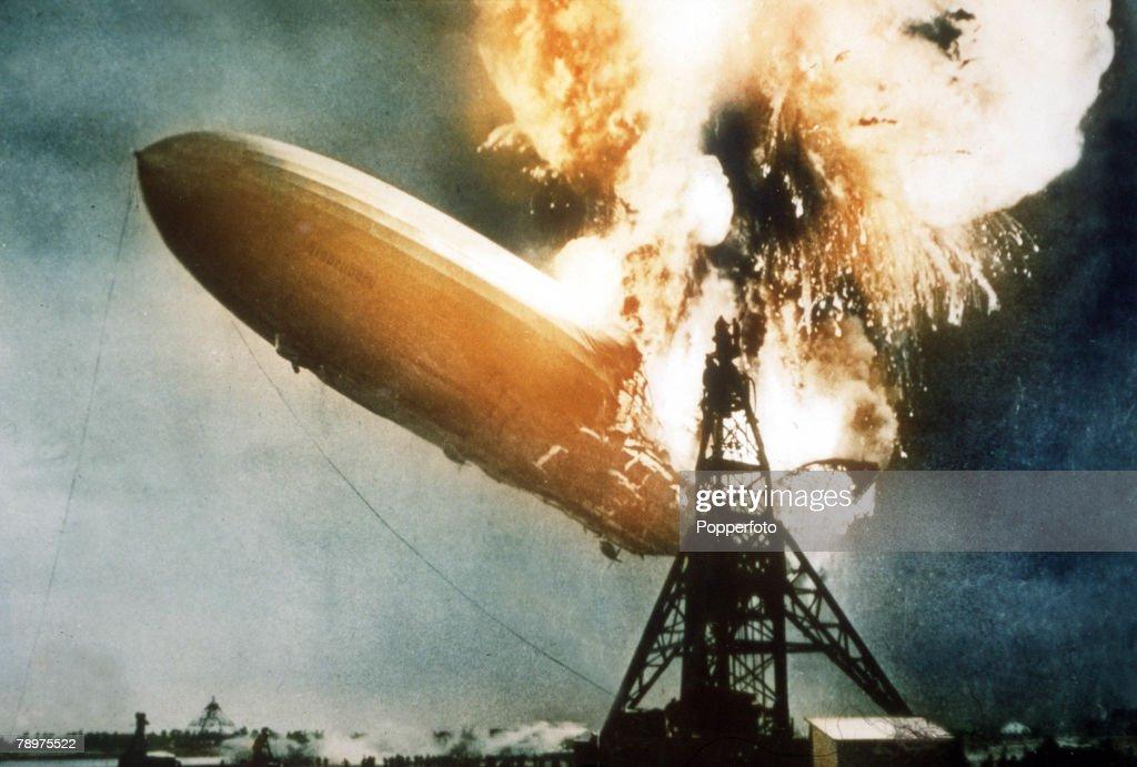 Aviation. Lakehurst, New Jersey, USA. 7th May, 1937. The Hindenburg airship explodes into a huge ball of flames shortly before landing at Lakehurst. : News Photo