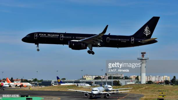 g-tcsx tag aviation (uk) ltd boeing 757-200 - boeing 757 200 stock pictures, royalty-free photos & images