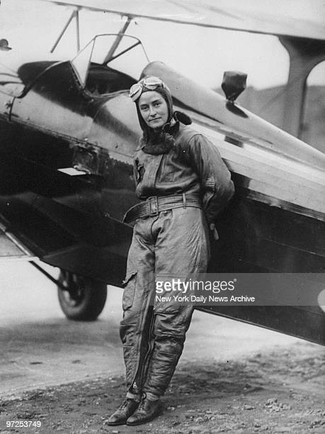 Aviator Alicia Patterson at Roosevelt Field after breaking the women's record flight from Philadelphia to New York