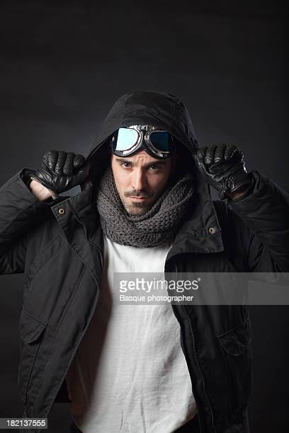 aviator portrait - luva preta - fotografias e filmes do acervo