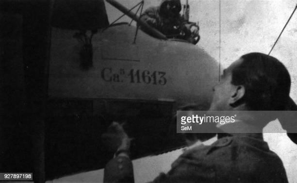 Aviators of the Great War WWI 1915 Lieutenant Carlo Alberto Conelli de 'Prosperi welcomes Gabriele D'Annunzio