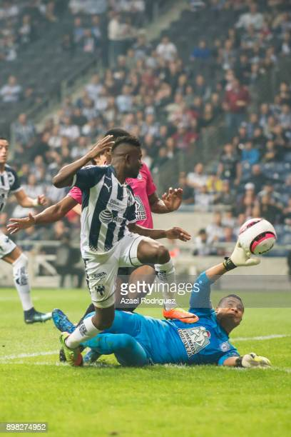 Aviles Hurtado of Monterrey tries to score over Alfonso Blanco goalkeeper of Pachuca during the Final match between Monterrey and Pachuca as part of...