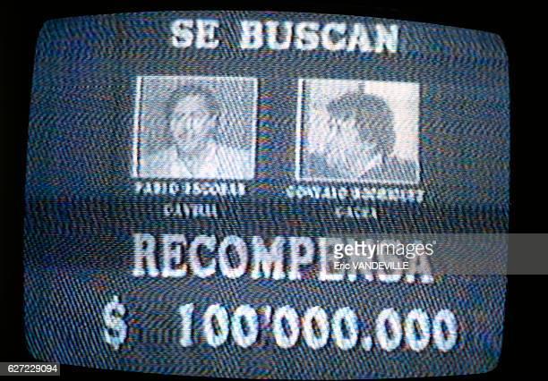 Avis de recherche à la télévision colombienne concernant les deux caïds du cartel de Medellin Pablo Escobar et José Gonzalo Rodriguez Gacha alias 'Le...