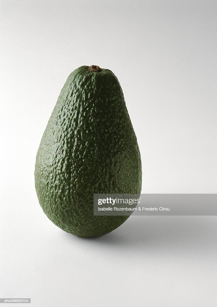 Avocado, standing on end, close-up : Stockfoto