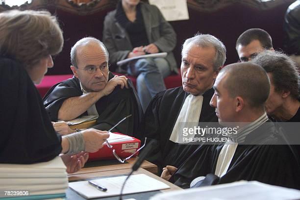 L'avocat des anciens salaris de l'usine de LysLezLannoy de la socit d'Alstom Power Boilers JeanPaul Teissonnire attend l'ouverture de l'audience du...
