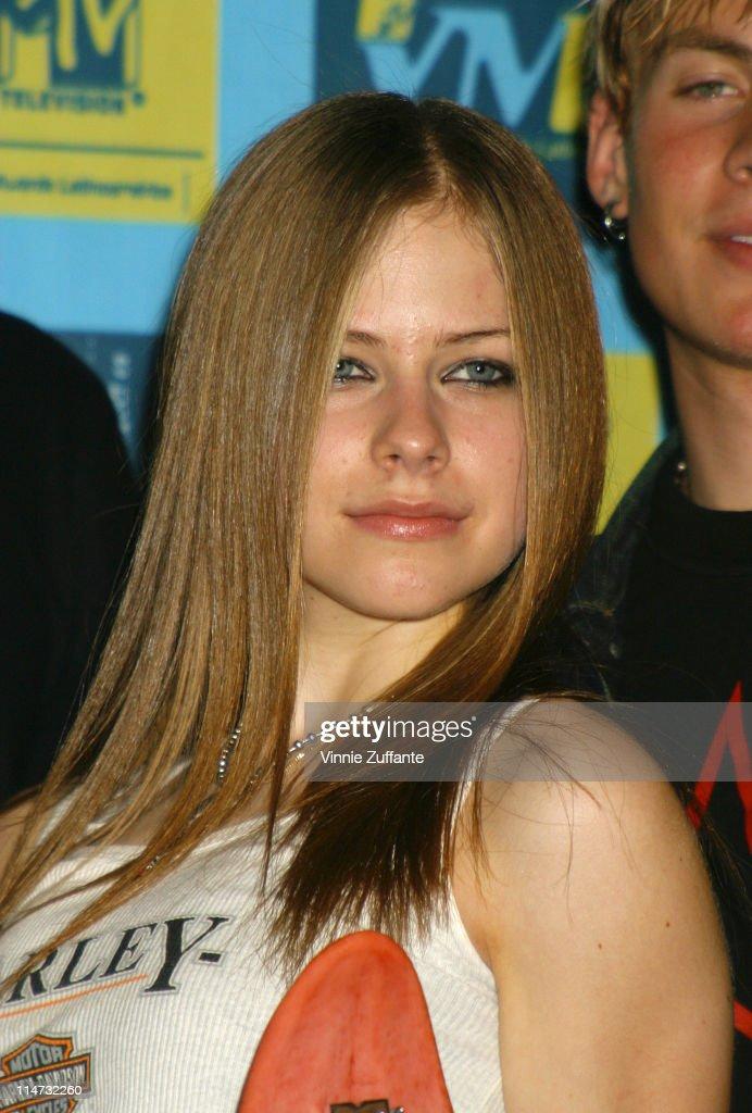 som var Avril Lavigne dating i 2002