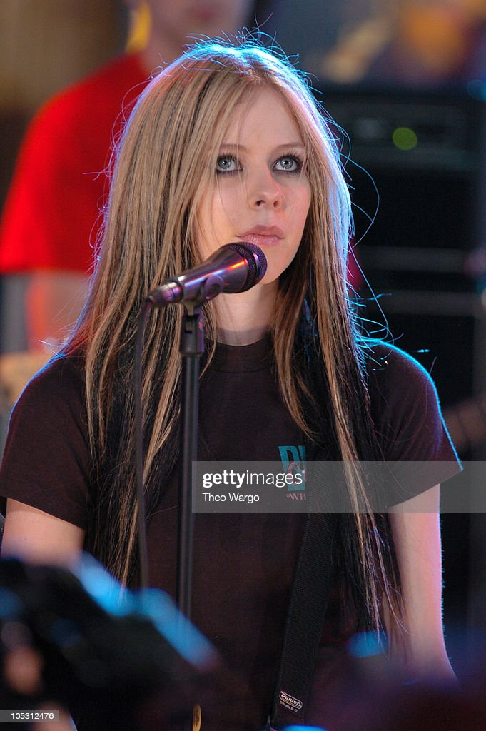 Avril Lavigne during Jake Gyllenhaal and Avril Lavigne Visit MTV's 'TRL' - May 25, 2004 at MTV Studios, Times Square in New York City, New York, United States.