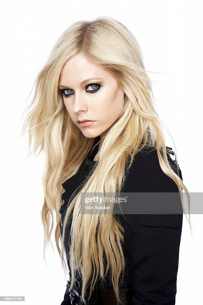 Avril Lavigne : News Photo