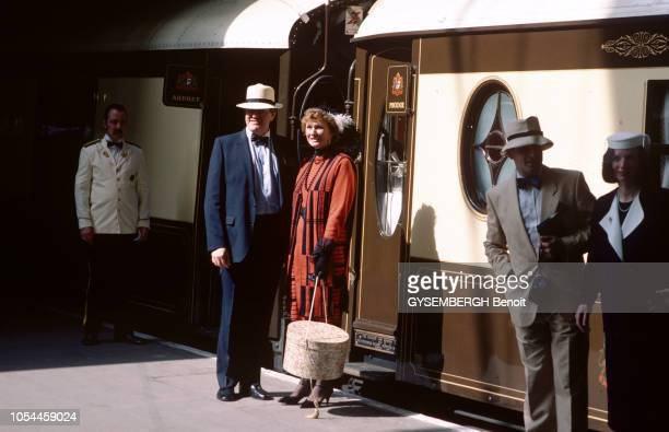 AvrilMai 1985 L'OrientExpress entre Londres et Venise un voyage à bord du plus romantique des trains En gare de Victoria Station deux couples...