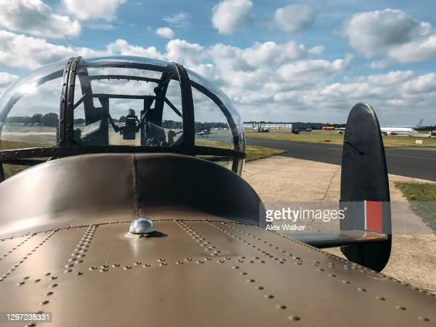 avro lancaster heavy bomber aircraft from ww2. - lancaster bomber stock pictures, royalty-free photos & images