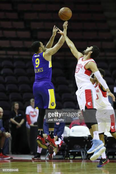 Avry Holmes of the Santa Cruz Warriors shoots the ball against Memphis Hustle during an NBA GLeague game on March 10 2018 at Landers Center in...
