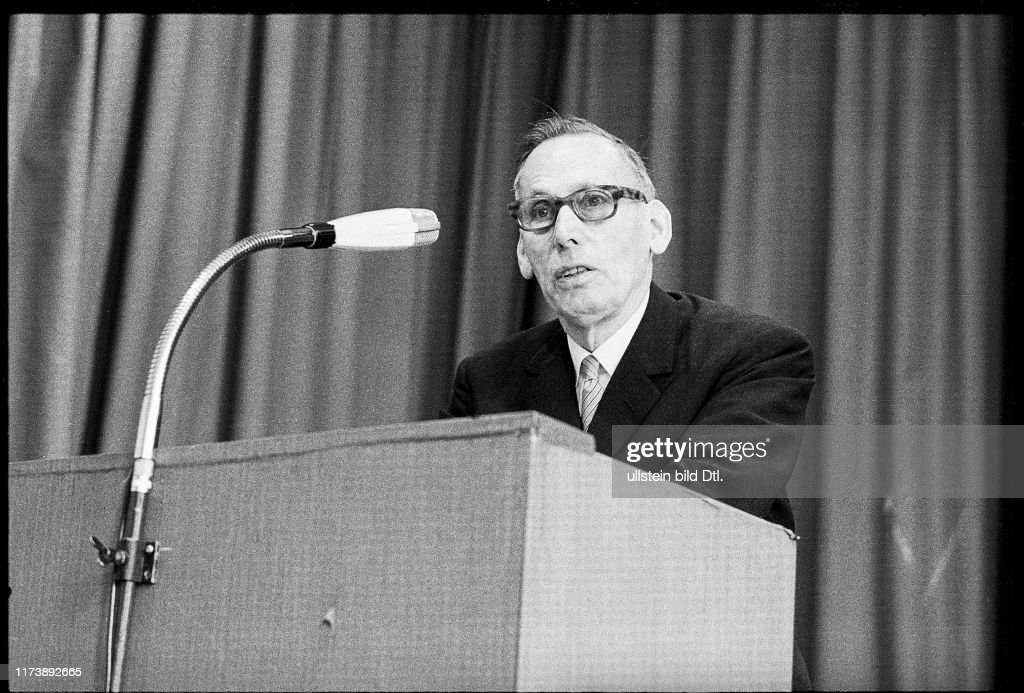 Award Ceremony Swiss Youth Researches 1971: Prof. Adolf Portmann ...