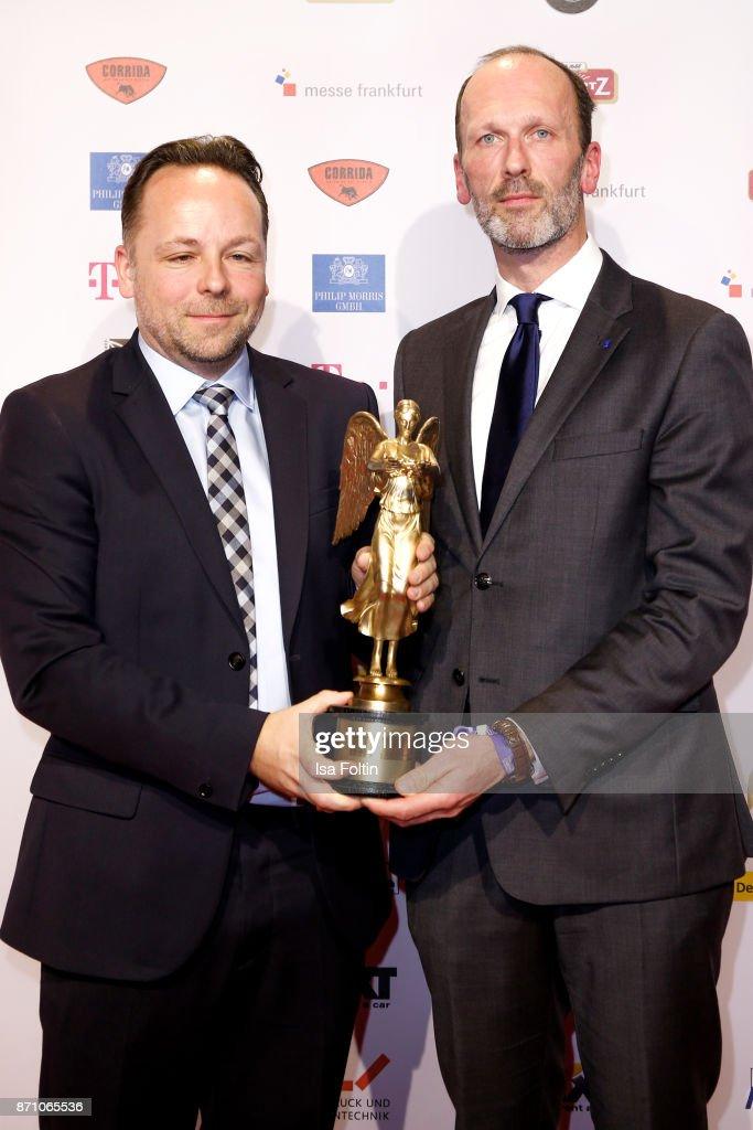 Award winner Daniel Roeder and Alexander Feiherr Knigge during the VDZ Publishers' Night at Deutsche Telekom's representative office on November 6, 2017 in Berlin, Germany.