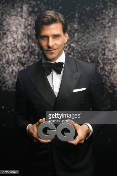 Award winner 'Influencer of the Year' Johannes Huebl poses backstage at the GQ Men of the year Award 2017 at Komische Oper on November 9 2017 in...