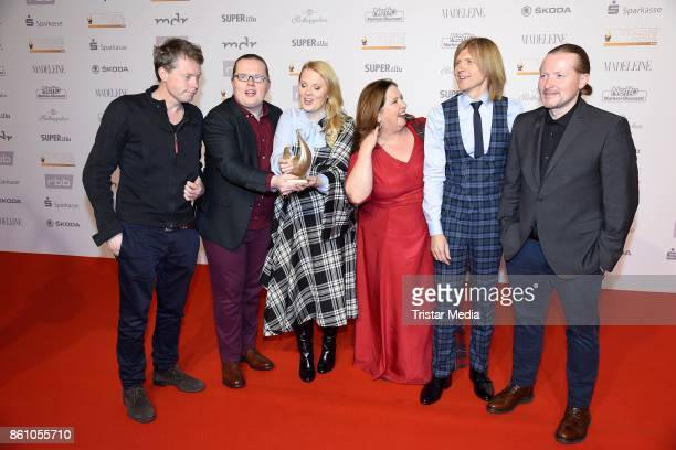 Award winner Jimmy Kelly Angelo Kelly Patricia Kelly Kathy Kelly John Kelly and Joey Kelly of the band The Kelly Family attend the Goldene Henne on...