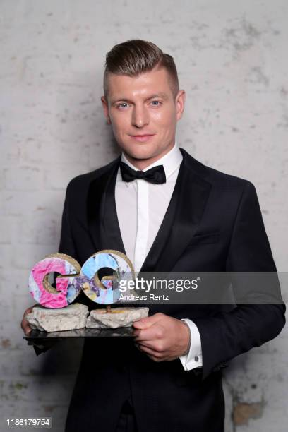 Award winner Toni Kroos poses backstage at the GQ Men of the Year Award at Komische Oper on November 07, 2019 in Berlin, Germany.