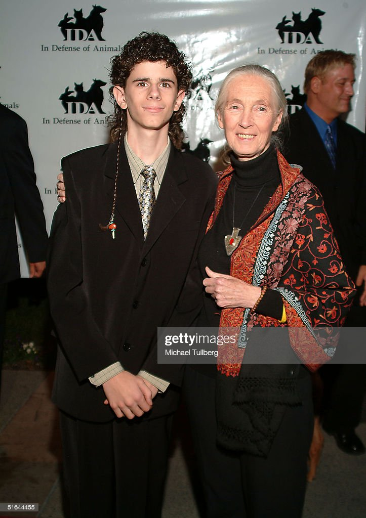 Award winner Washo Shadowhawk and Doctor Jane Goodall appear at the 'In Defense Of Animals Guardian Awards Fundraiser' on October 20, 2004 at Paramount Studios in Hollywood, California.