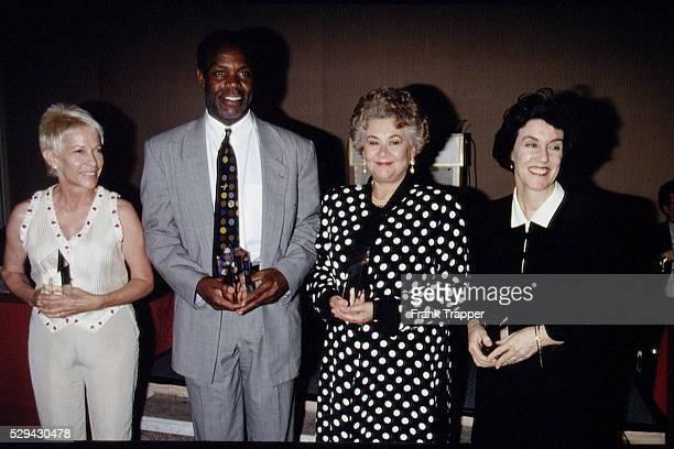 Award winners Polly Platt Danny Glover Joan Plowright and Nora Ephron holding their awards