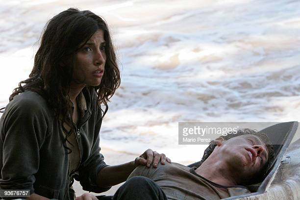 LOST Awarded the 2005 Emmy and 2006 Golden Globe for best drama series and a 2007 Golden Globe nomination for best drama series and best actress for...