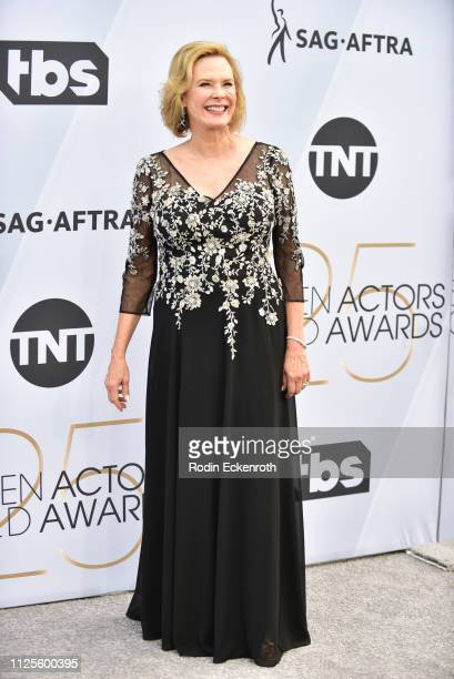 Awards Committee Chair SAGAFTRA Foundation Board President JoBeth Williams arrives at the 25th Annual Screen Actors Guild Awards at The Shrine...