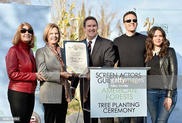 SAG Awards Executive Producer Kathy Connell SAG Awards Committee Chair JoBeth Williams City of Los Angeles Board of Public Works Commission President...
