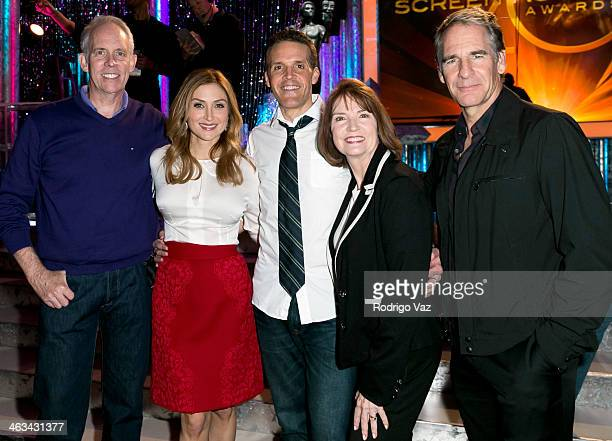 Awards Producer Daryl Anderson, actress Sasha Alexander, Woody Schultz, SAG Awards Executive Producer Kathy Connell and actor Scott Bakula attend the...