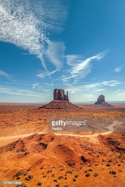 awsome formações rochosas em monument valley eua - usa - fotografias e filmes do acervo