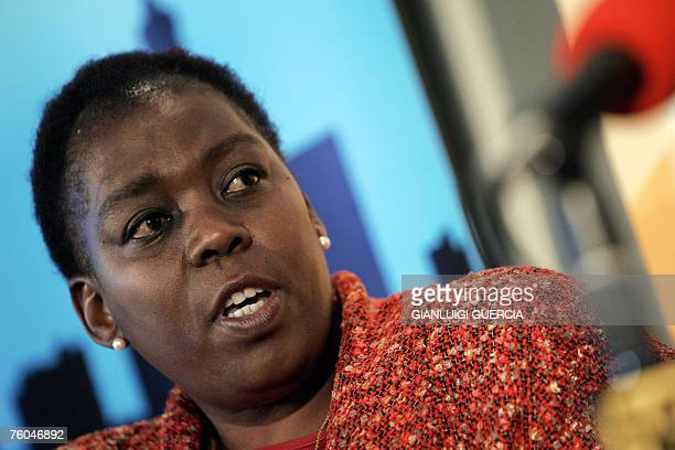 Axed South African Health Deputy Minister Nozizwe MadlalaRoutledge gives 10 August 2007 a press conference at Cape Talk radio studio in Cape Town...