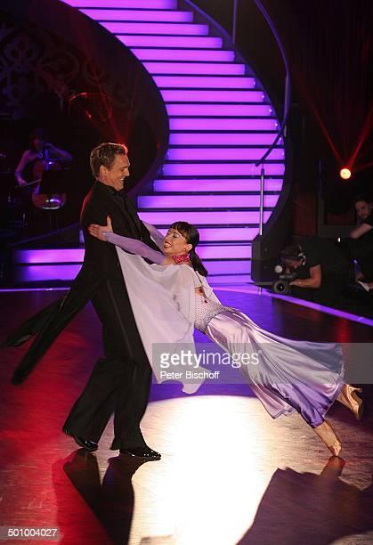 Axel Bulthaupt Partnerin Anna Karina Mosmann RTLTanzShow Lets Dance Köln Deutschland PNr 455/2006 Coloneum Tanzfläche Tänzer Tänzerin TanzPaar tanzen...