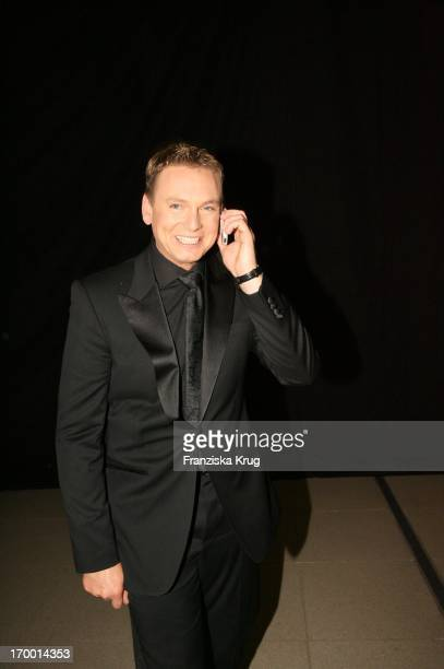 Axel Bulthaupt telephoned at Party After The Jose Carreras Gala in Leipzig 151205