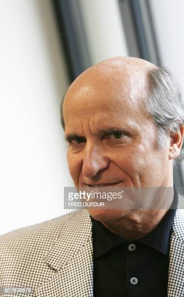 Axel Ganz ancien patron de Prisma Presse est photographié le 18 octobre 2006 dans son bureau à Paris Axel Ganz lancera le 23 octobre prochain Jasmin...