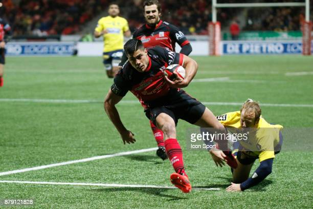 Axel Muller of Oyonnax scores a try during the Top 14 match between Oyonnax and Clermont Auvergne on November 25 2017 in Oyonnax France