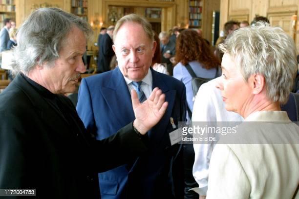Axel Springer Preis fuer junge Journalisten 2001 Peter Stein Hermann Schreiber, Birgit Lahann