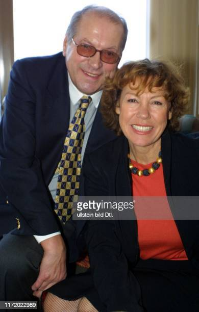 Axel Springer Verlag AG Brunch am Morgen nach DIE GOLDENE KAMERA 2003 Gaby Dohm Julian Plica