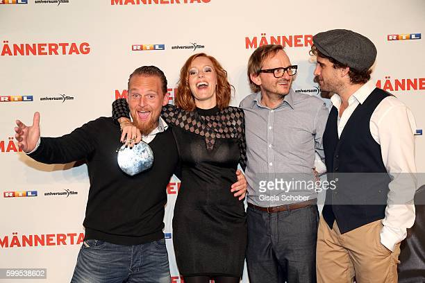 Axel Stein Lavinia Wilson Milan Peschel and Oliver Wnuk during the premiere for the film 'Maennertag' at Mathaeser Filmpalast on September 5 2016 in...