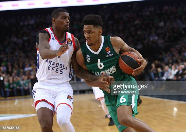Axel Toupane #6 of Zalgiris Kaunas competes with Ricky Ledo #1 of Anadolu Efes Istanbul in action during the 2017/2018 Turkish Airlines EuroLeague...