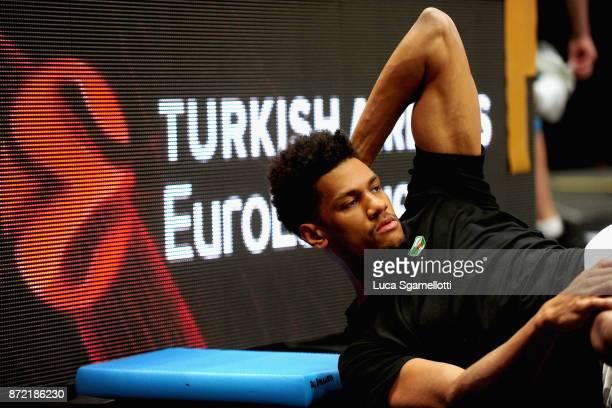 Axel Toupane #6 of Zalgiris Kaunasin during the warmip before the 2017/2018 Turkish Airlines EuroLeague Regular Season Round 6 game between AX Armani...