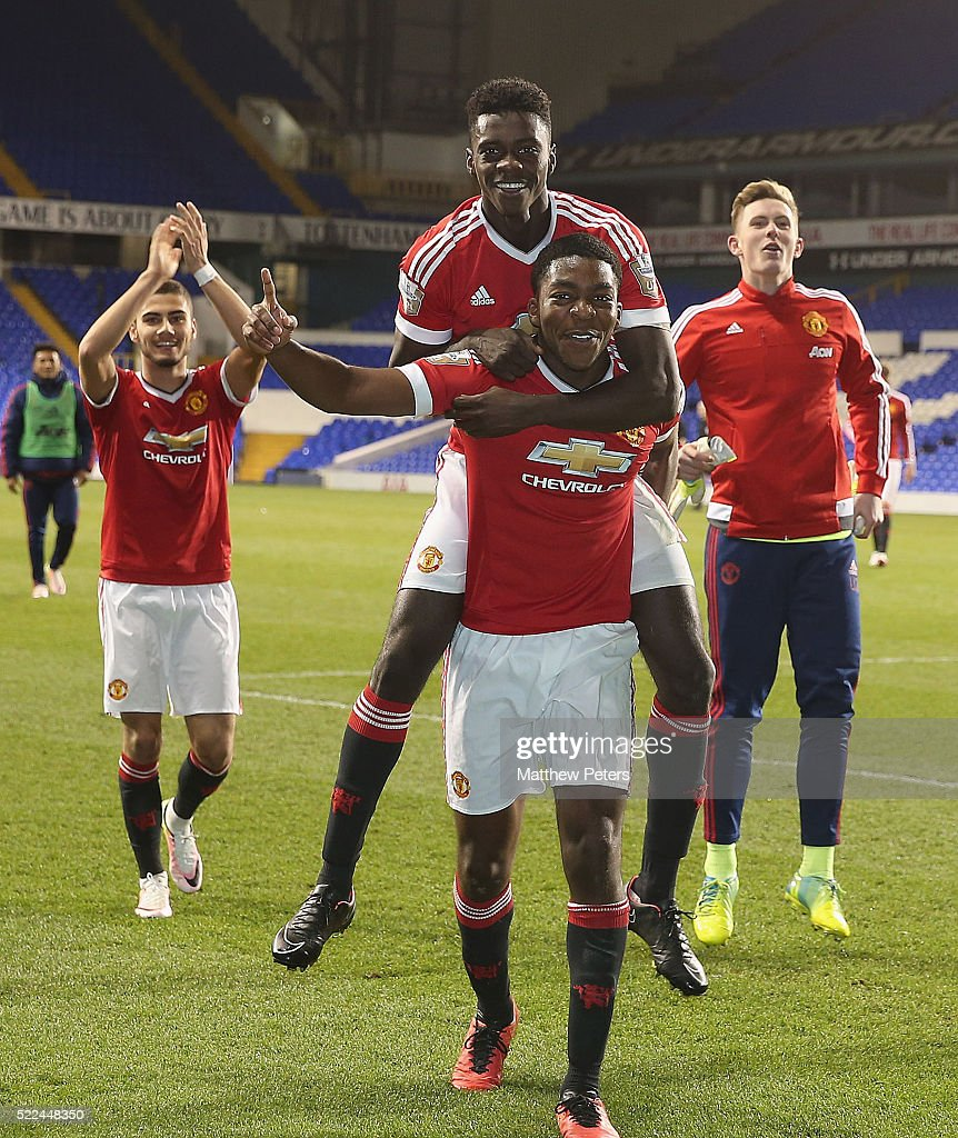 Tottenham Hotspur U21 v Manchester United U21: Barclays U21 Premier League : News Photo
