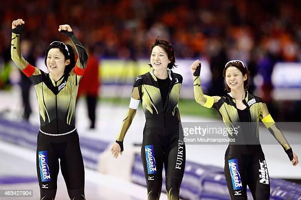 Ayaka Kikuchi Miho Takagi and Nana Takagi of Japan celebrate after they compete in the Team Pursuit Ladies during day 3 of the ISU World Single...