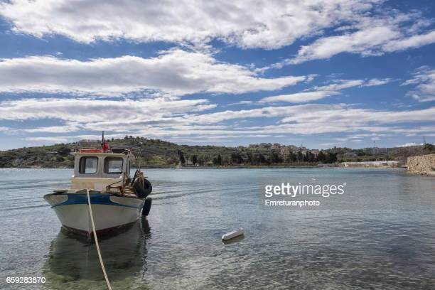 ayayorgi bay on a sunny spring day. - emreturanphoto stock pictures, royalty-free photos & images