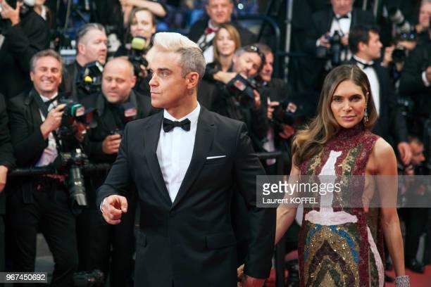 Ayda Field et Robbie Williams lors de la montée des marches pour la première du film 'La forêt des songes' durant le 68eme Festival du Film au Palais...