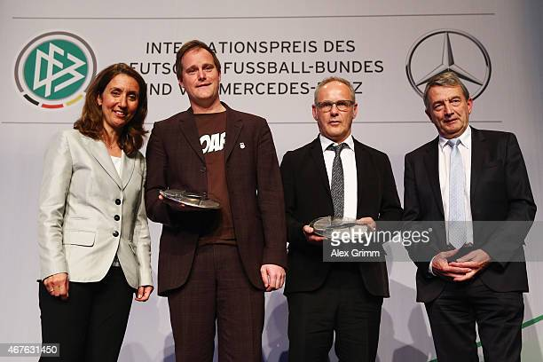 Aydan Oezoguz Federal Government Commissioner for Migration Refugees and Integration FC St Pauli President Oke Goettlich TV presenter Reinhold...