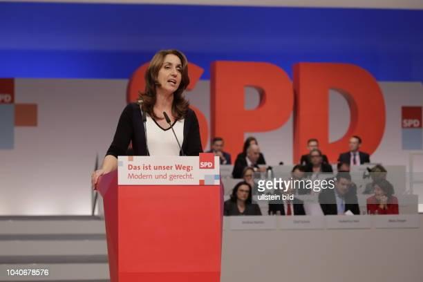 Aydan Özoguz eine der sechs stellvertretenden Bundesvorsitzenden der SPD Deutschland Berlin Ordentlicher SPDBundesparteitag